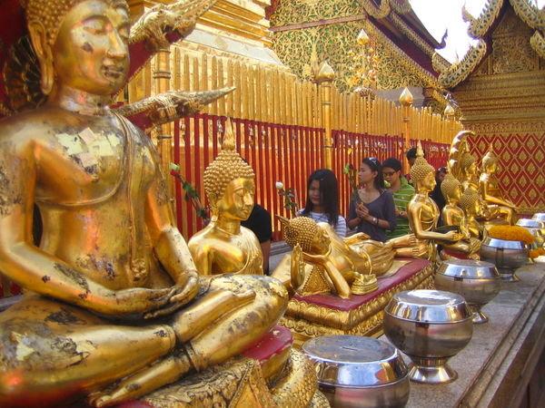 お寺が多いことでも有名なチェンマイ チェンマイ郊外のワットドーイステープ チェンマイ郊外の自然